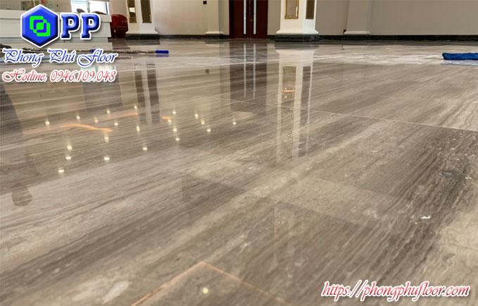 Sàn được đánh bóng bởi Phong Phú Floor