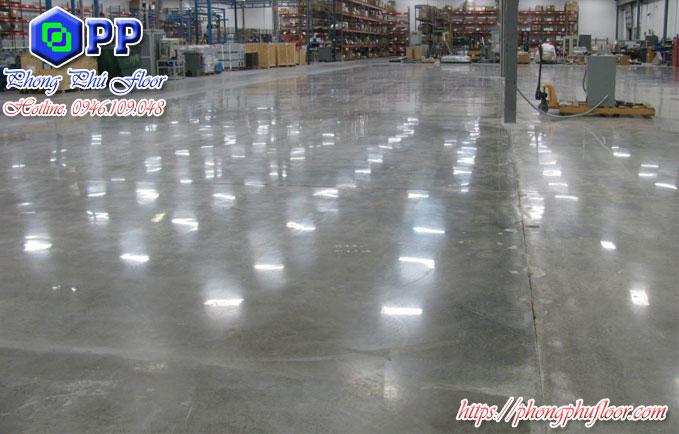 Bề mặt sàn công nghiệp khi được hoàn thiện mang lại nhiều lợi ích cho khách hàng