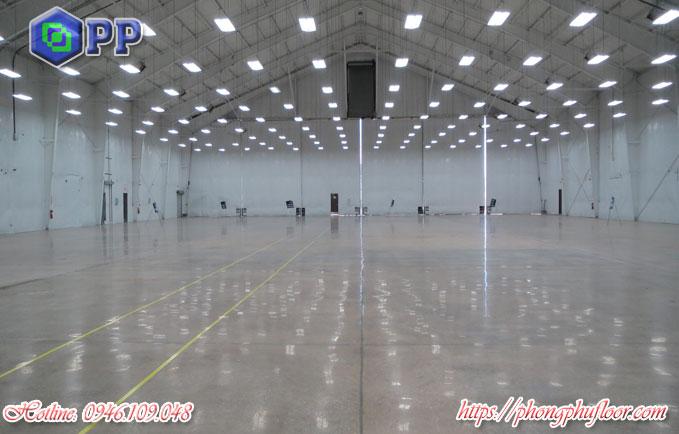 Đánh bóng cho mặt sàn bê tông giúp tăng tính thẩm mỹ và cải thiện lại nền móng của sàn bê tông