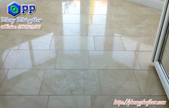 Đánh bóng sàn không những mang lại bề mặt chất lượng mà còn giúp không gian xung quanh trở nên đẹp hơn