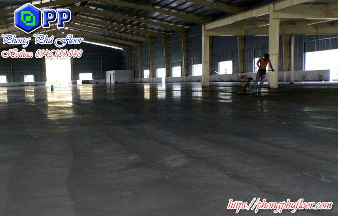 Đánh mặt bê tông giúp bề mặt sàn bê tông trở nên tốt hơn