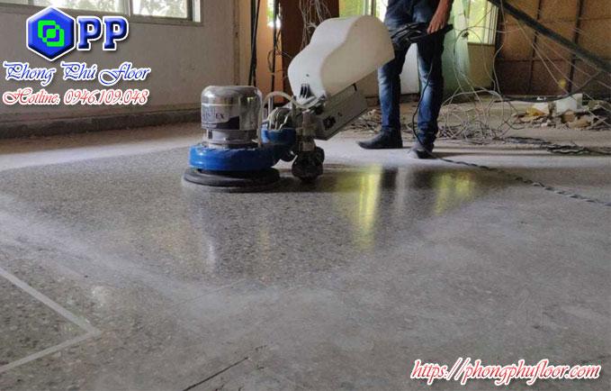Mài sàn bê tông một cách chuyên nghiệp để nâng cao chất lượng bề mặt