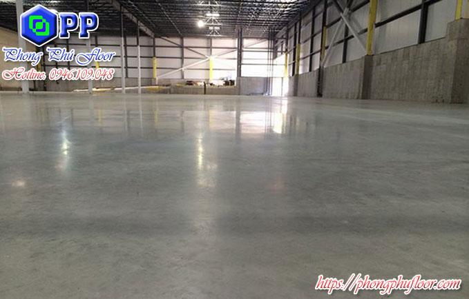 Nền xi măng sẽ khi được sơn epoxy sẽ là một sự kết hợp hoàn hảo nhằm khiến cho bề mặt sàn đạt được chất lượng tốt hơn