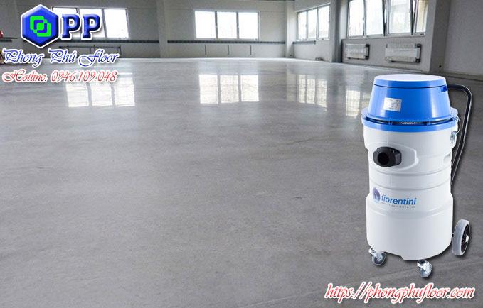 Sử dụng máy hút bụi công nghiệp mang lại một bề mặt sàn chất lượng và sạch sẽ