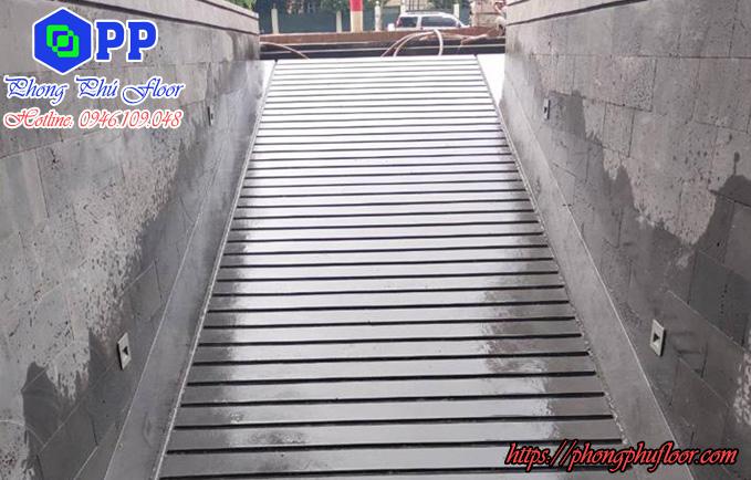 Cắt rãnh bê tông trên nền bê tông ẩm ướt chưa khô cứng là dễ nhất