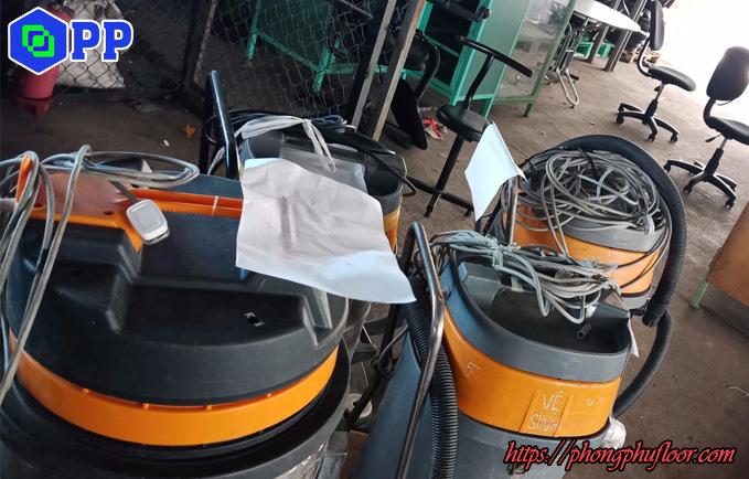 một số loại máy hút bụi của phong phú floor được mang đi thi công mài sàn bê tông