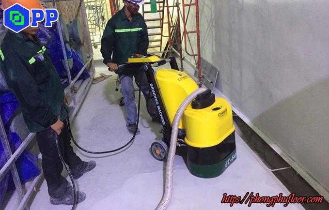 máy mài 6 đĩa phát huy hiệu quả khi thi công bề mặt sàn bê tông nhỏ